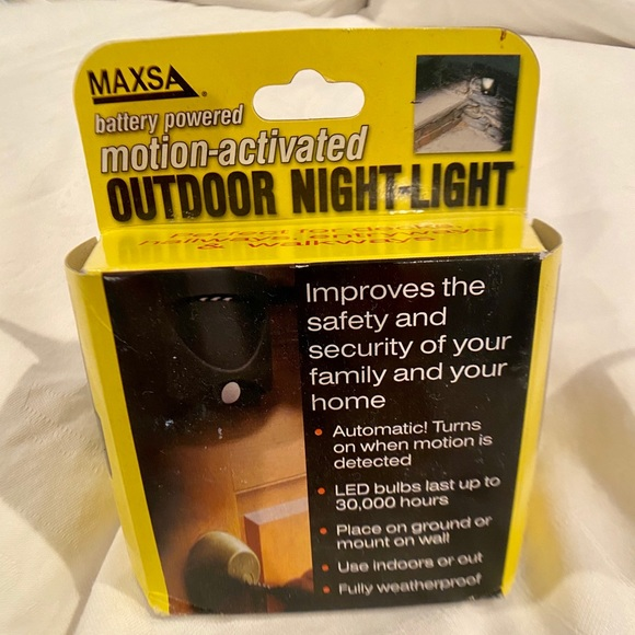 Other - Motion activated outdoor nightlight NWT